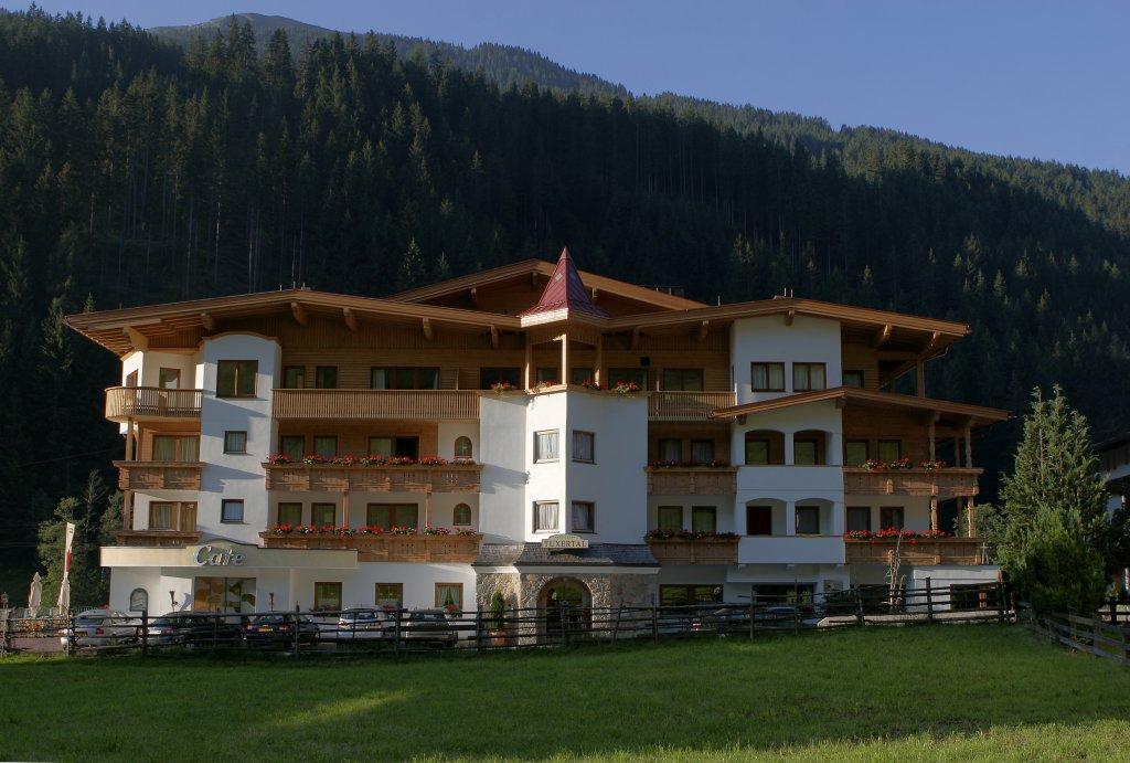 Hotel Apart Tuxertal, Finkenberg, Austria - Booking.com