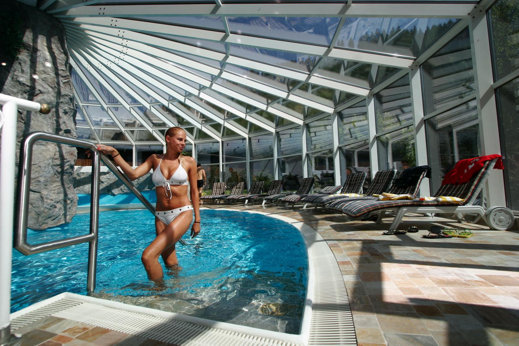 Wellness spa h tel tuxertal hotel tuxertal for Hotel plus proche